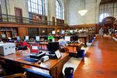 有名な古いニューヨーク公共図書館の内部 — ストック写真