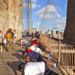 Are doing push-up exercises at the Brooklyn bridge — Stock Photo