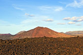 Volcano in timanfaya national park in Lanzarote, Spain — Stock Photo