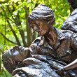 Memorial statues to Vietnam war Women Nurse — Stock Photo