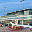 Aircrafts at the finger in the modern Terminal 2 in Hamburg - Stockfoto