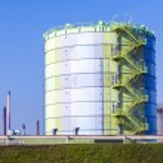 Silo in Industry Park in beautiful landscape near Frankfurt — Stock Photo