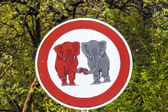 Tráfico signo elephants enamorado — Foto de Stock