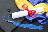 Mezuniyet kep ve diploma — Stok fotoğraf