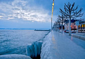 Icy Waterfront, Lake Geneva, Switzerland — Stockfoto