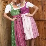 Bavarian girls in costume — Stock Photo