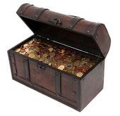 Schatzkiste mit Münzen — Stockfoto