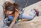 Alpinista feminino. — Fotografia Stock