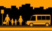 Paisaje urbano con la familia y autobús — Vector de stock