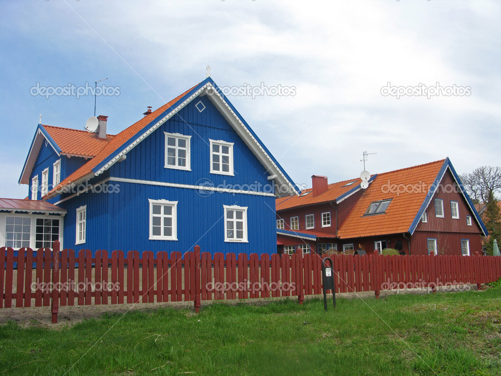 Nida, Lithuania.  Cottages on the Kurshsky spit — Stock Photo #10443347