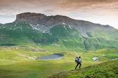 ハイキングの女性 — ストック写真