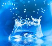 Stříkající vodě — Stock fotografie
