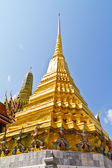 Golden pagoda in Temple of Emerald Buddha — Stock Photo