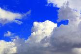 Afbeelding van zomer pluizig hemel — Foto de Stock