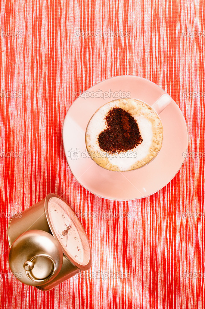 Cappuccino with heart, red stripy backdrop — Stock Photo #9059009