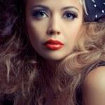 Beautiful fashion model, classic retro style look, studio portra — Stock Photo