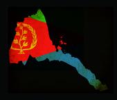 Overzicht van de kaart van eritrea met vlag grunge papier ingang — Stockfoto