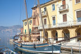 Sailing boat in the harbor of Malcesine on Lake Garda Italy — Stock Photo