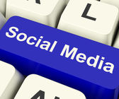 Social Media Computer Key Showing Online Community — Foto de Stock