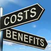 Costs Benefits Choices On Signpost Showing Analysis And Value Of — ストック写真