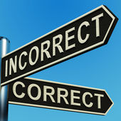 Incorrect Or Correct Directions On A Signpost — Stock Photo