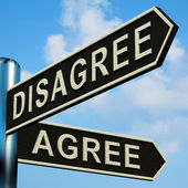 Disagree Or Agree Directions On A Signpost — Stock Photo