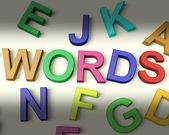 Mots écrits en lettres d'enfants en plastique — Photo