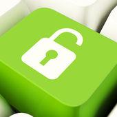 Cadenas déverrouillé ordinateur clés en vert indiquant l'accès ou protéger — Photo