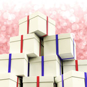 Stack Of Giftboxes With Bokeh Background As Presents For The Fam — Zdjęcie stockowe