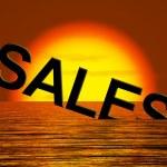 försäljning ordet sjunker visar minskade intäkter och vinst — Stockfoto