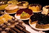Een heleboel gebak — Stockfoto