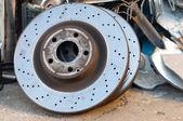 生锈的旧车零件以金属垃圾 — 图库照片