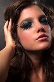 Kusząca kobieta z ekstremalnych makijaż — Zdjęcie stockowe