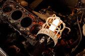 Araba motor closeup ile eski lamba — Stok fotoğraf