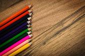Ołówki kolorowe tło — Zdjęcie stockowe