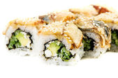 Maki sushi - roll met komkommer en roomkaas binnen. tonijn, s — Stockfoto