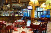 Italian restaurant with a traditional interior — Zdjęcie stockowe