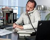 Biznesmen na telefon — Zdjęcie stockowe
