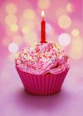 Różowy urodziny ciastko — Zdjęcie stockowe