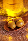 Oliveoil and olives — Stock Photo