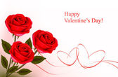 Valentine`s day background. Red roses and gift red bow. Vector illustration — 图库矢量图片