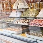 turkiska sötsaker i display — Stockfoto