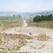Ancient roman oval forum in antique town Jerash - Lizenzfreies Foto