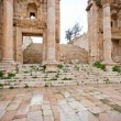 Steps and gate to Artemis temple in ancient town Jerash — Stock Photo