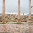 View through antique Artemis temple in ancient city  Gerasa to modern Jerash - Foto de Stock