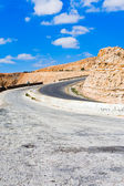Road on mountain pass in Jordan — Stock Photo