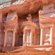 Upper level of facade The Treasury in Petra — Stock Photo #9930242