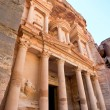 Facade of The Treasury Monument in antique city Petra — Stock Photo #9930505