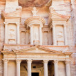 Facade of The Treasury Monument in antique city Petra — Stock Photo #9930514