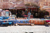 Bedouin souvenir shop in ancient city Petra, Jordan — Stock Photo